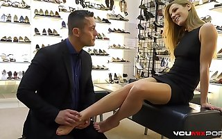 YOUMIXPORN Requited - Alexis Crystal fucks for free boot-lick and gets cum on her feet
