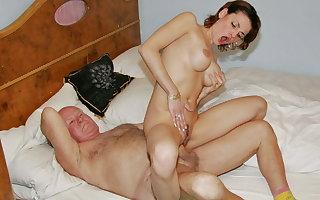 Hot caregiver Sarah Famousness seduced by 83 y.o. grandpa Mireck