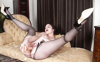 Kinky Milf Karina Currie fucks hulking flannel toy in pantyhose