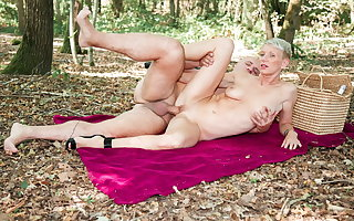 AmateurEuro - Outdoor Anal Sex With Blue MILF - Mia Wallace