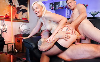 LA COCHONNE - Sexy French Wife Gets DP Distance from Her Men #Candys