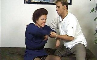 Jean Pallett fickt mit Kumpel ohne Zoegern eine Oma, Vintage