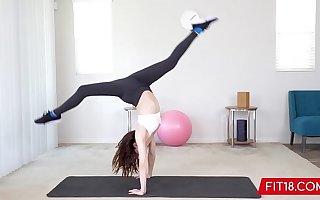 FIT18 - Aliya Brynn - 50kg - Casting Flexible and Sweltering Vest-pocket Dancer