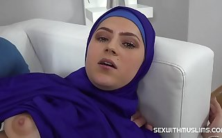 Boastful Muslim woman fucked back to actuality