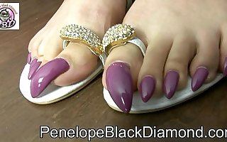 Penelope Black Diamond - Footjob sperm on my toes claws Advance showing