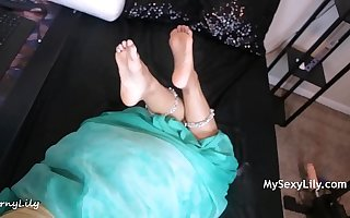 Indian Step Mom Horny Lily Having Sex With Her Son While Talking To Her Economize On Phone