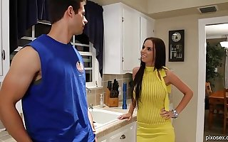 Beamy Tit Brunette Pornstar Brandy Aniston Gets Fucked In Her Yellow Dress