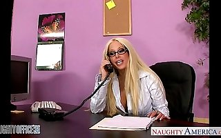 Office babe in glasses Gina Lynn going to bed